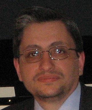 http://blogletteratura.files.wordpress.com/2012/07/emanuele-marcuccio_aprile_2010.jpg