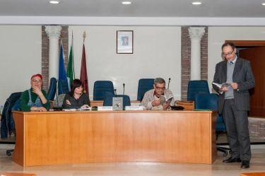 Nella foto a destra l'autore Angelo Gallo