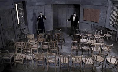 1396122726-teatro-a-ragusa-le-sedie-di-ionesco