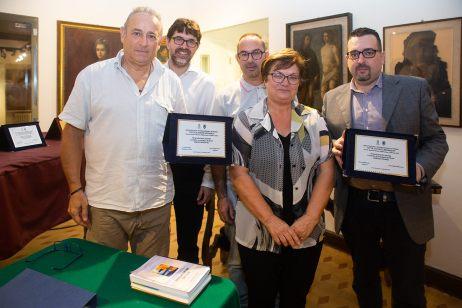 Foto di gruppo con la Giuria e la Famiglia Pigliacampo